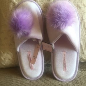NWT never worn Lavender💜 Victoria Secret Slippers
